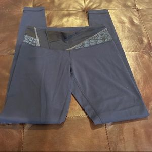 Lululemon pre-owned size 8